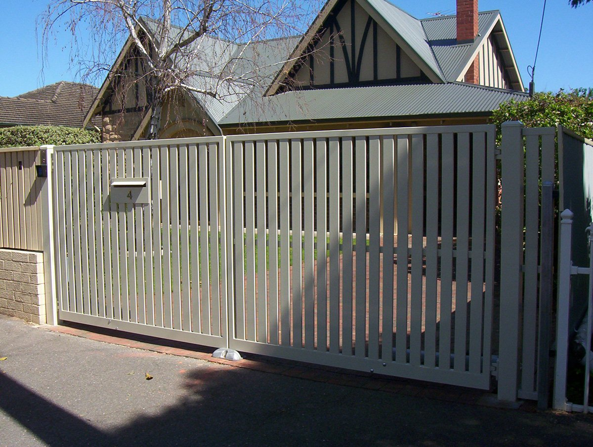 Slat Fencing In Adelaide